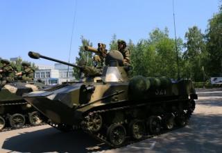 БМД-2. http://novorus.info/news/interesno/24123-vse-o-vdv-rossii-foto.html