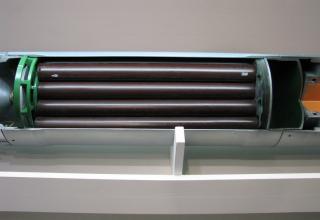 Вид ракетного двигателя разрезного макета НУРС для Тяжёлых огнемётных систем ТОС-1 и ТОС-1А. ©С.В. Гуров (Россия, г.Тула).