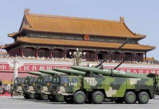 ПУ для БТ DF-15B малого РД. REUTERS/Damir Sagolj. news.yahoo.com/xi-says-chinese-military-cut-forces-300-000-022824385.html
