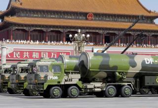 Дальнобойные УР DF-31A. © Jason Lee / Reuters. www.rt.com/news/314176-china-military-parade-wwii/
