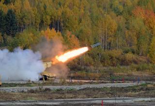 Стрельба из БМ БМ-1 Тяжёлой огнемётной системы ТОС-1А. http://rae2015.ru/ru/photos/