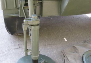 Домкрат боевой машины 9П140 РСЗО
