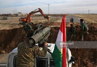 Курдские Пешмерги. Нацеливание ПУ ПТРК Milan на позиции ИГИЛ. 15.11.2015 г. около Sinjar, Ирак. gettyimages.com