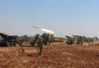 Обстрел позиций ИГИЛ. http://www.aljazeera.com/news/2015/08/syria-rebels-repel-isil-advances-turkey-border-150817171428625.html