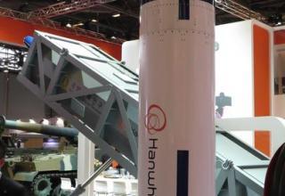 Макет имитатора цели - баллистической ракеты (Hanwha, Южная Корея). Фотография: ©Томас Шульц (Польша).