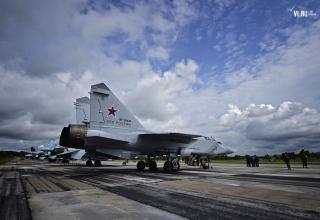 Сверхзвуковой истребитель-перехватчик дальнего действия МиГ-31Б. http://www.newsvl.ru/vlad/2016/09/07/151310/#gallery45