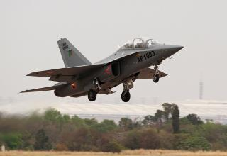 Учебно-тренировочный самолёт L-15 AFT (Китай).http://www.nairaland.com/1386870/african-militaries-security-services-strictly/638
