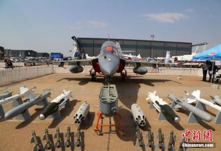 Учебно-тренировочный самолёт L-15 AFT (Китай). http://english.cri.cn/12394/2016/09/16/2743s940436.htm