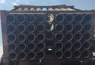 Вид сзади пакета направляющих БМ РСЗО серии Valkiri Mk II (ЮАР). www.htxt.co.za/2016/09/16/jets-weapons-aad/#jp-carousel-108427
