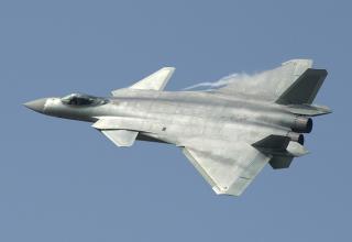 Китайский многоцелевой истребитель пятого поколения J-20  © EPA/YhC. http://tass.ru/armiya-i-opk/3753710