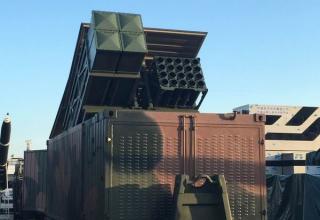 Макет морского контейнера для ракет. http://www.popsci.com/chinas-new-missiles-zhuhai