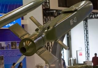 Макет УР WS-43. http://www.popsci.com/chinas-new-missiles-zhuhai