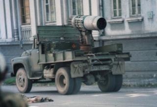 Установка в кузове самосвала ЗиЛ-ММЗ-554, использовавшаяся в уличных боях в Сухуми; http://477768.livejournal.com/4006670.html
