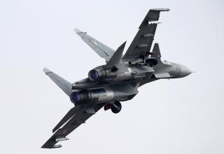 Многоцелевой истребитель Су-30МКИ во время показательных полетов. ©Марина Лысцева/ТАСС. http://tass.ru/armiya-i-opk/4031508
