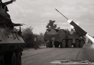 Момент стрельбы из БМ RM-70 по позициям Боко Харам. Опубл. 16.04.2016г. https://twitter.com/africaken1/status/721425748507156480