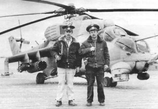 Ми-24В с бомбами ОФАБ-250-270 и блоками Б8В20. Кундуз, декабрь 1984 г. topwar.ru/21468-vertushki-afganistan-mi-24.html