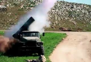 БМ БМ-21 Опубл.05.04.2017 г.almasdarnews.com/article/video-islamists-rebels-launch-grad-rockets-latakia-hometown-hafez-al-assad/