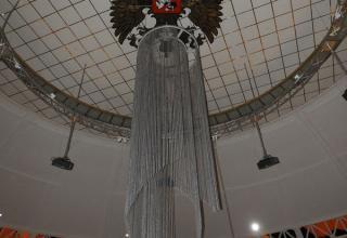Внутреннее убранство на 5 этаже в Новом здании Тульского Государственного Музея Оружия (Россия, г. Тула).