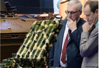 Россия. http://dfnc.ru/vtc/rosoboroneksport-organizuet-na-idex-2019-demonstratsiyu-obraztsov-rossijskogo-oruzhiya/