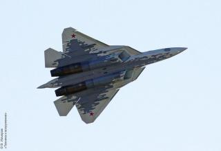 Фото: Василий Изъюров. Многофункциональный истребитель пятого поколения Су-57. https://twitter.com/search?q=МАКС-2019&src=typd