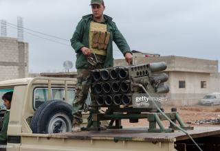 gettyimages.ae/detail/news-photo/peshmerga-are-seen-during-launching-mortars-iraqi-kurdish-news-photo/525302586?adppopup=true