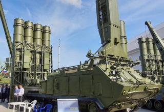 """ЗРК """"Антей-4000"""". https://vestnik-rm.ru/news/oborona-i-bezopasnost/armiya-2020-pervye-izobrazheniya-zrk-antej-4000"""