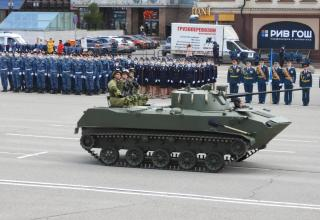 Боевая машина десанта второго поколения с экипажами