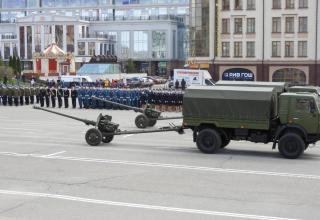 Автомобили КАМАЗ с 85-мм пушками Д-44