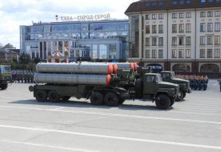 Боевые машины ЗРК С-300