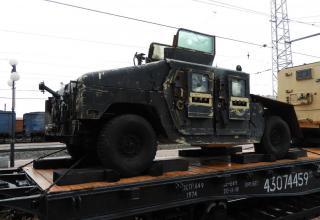 Бронеавтомобиль Hummer американского производства, переделанный боевиками