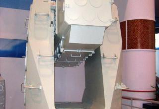 Зенитный ракетный комплекс HHQ-10 (FL-3000N)