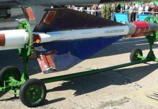 Авиационная ракета средней дальности Р-40 (K-40)