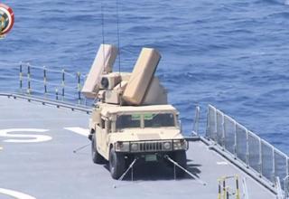 Для обеспечения ПВО ближнего действия на египетских Мистралях применяется комплекс Avenger