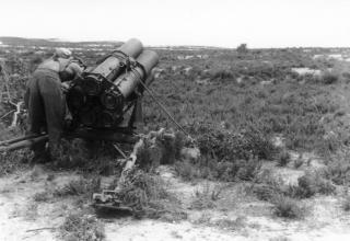 Реактивный миномёт 21cm Nebelwerfer 42