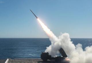 Выполнена стрельба УРС из БМ РСЗО HIMARS с лётной палубы десантного транспортного корабля-дока