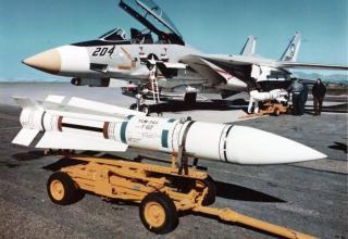 Авиационная ракета большой дальности AIM-54 Phoenix