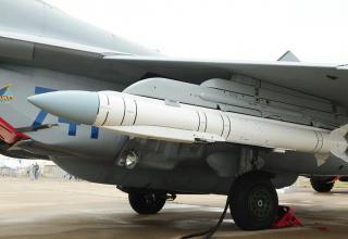 """Комплексуправляемого ракетно-бомбового вооружения  9-А-7759""""Гром"""""""