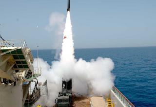 Оперативно-тактический ракетный комплекс LORA