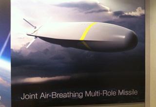 Корпорация Boeing продемонстрировала материалы по легкой перспективной многоцелевой ракете JABMM