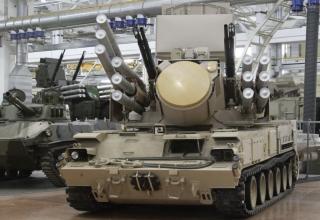 Фотографии новых образцов зенитного ракетно-пушечного комплекса 'Панцирь-С'